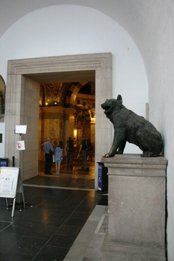 Wolf standing guard at the Aachen Cathedral