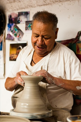 He's Don Juan, and with 70 years old, he has been working on the potter's wheel for more than 55 years. His work has been exposed in different places on the world as New York. At this moment, Don Juan suffers some diseases, but that doesn't stop it to do what he most enjoy in life.