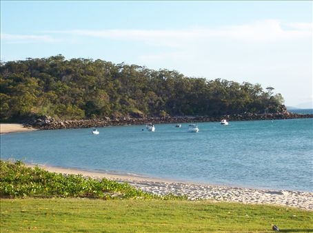 The beach at Keppel Island.  This is unfortunatly where we were stranded !!