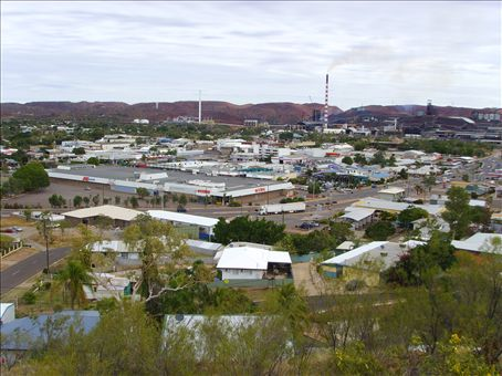 Mt Isa from the lookout.  The copper mine is in the background of the photo