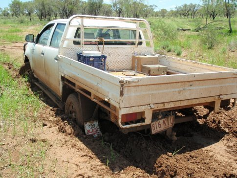The hi-Lux bogged while checking water - we were stuck for 5 hours !!