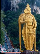 Lord Murugan, this elaborate and grand statue of the great Hindu God guards the 272 steps to the entrance of the ancient Batu Caves.: by editria, Views[713]