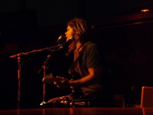 Ash Grunwald playing at the GLC - sweet gig