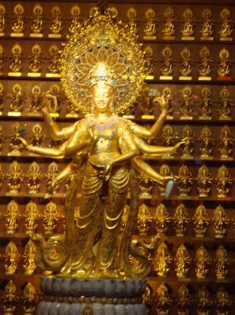 Largest pure gold and jade Buddha