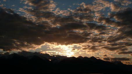 Mountain sunset from Freestone Hostel