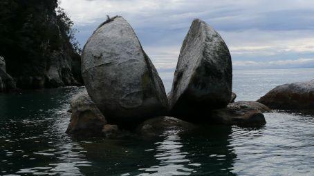 Split Apple rock in Abel Tasman, wonder why they called it that?
