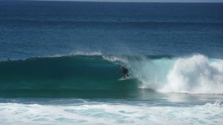 Surfer in a tube