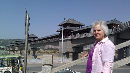 Ebeth in front of Bridge