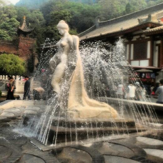 Statue of Yang Guifei at Huaqing Hot Springs