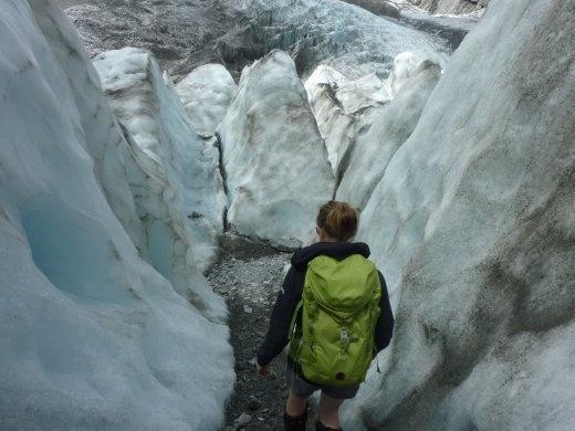 Notre guide...Jess...rencontree la fin de semaine d'avant chez Hamish et Sophie...et elle nous a offert un tour gratuit sur le glacier...genial n'est-ce pas!? Donc tour personnalise pour nous et plus long que la normale!