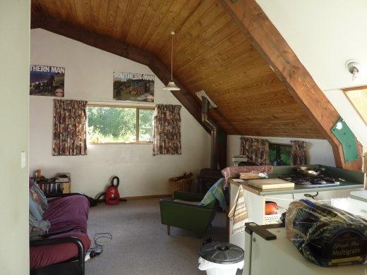 Notre salon, dans le toit de la grange!