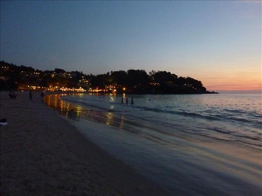 Kata Beach a Phuket, le soir de notre arrivee.