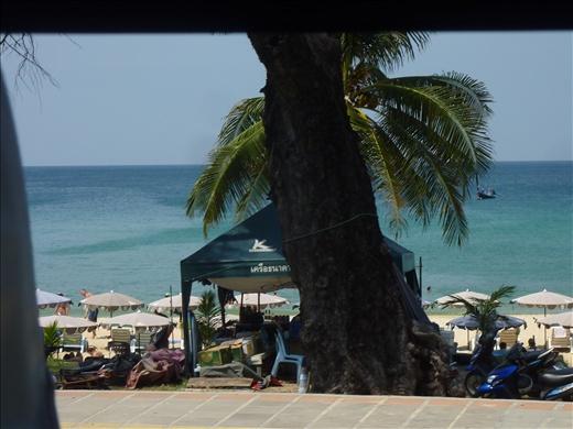 Vue de la plage a bord de l'autobus!