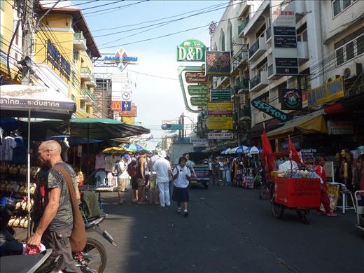 Khao San Rd---la rue des voyageurs!