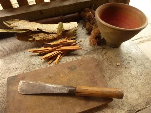 Me voila toute prete a teindre ma soie!!! Les ingredients sont tous prepares!