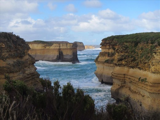 The view that was ours alone - the  'rear' of The Twelve Apostles.