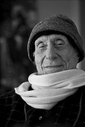 Naom, a once beautiful mind that got out of control. At the age of 95, he still does math, recalls history, and alledges he writes letters to Obama. Nevertheless, he's my 95-year-old love!: by enas, Views[171]