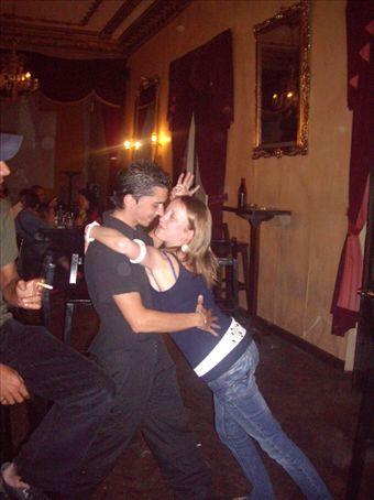 Tango all the way, Loki Bar