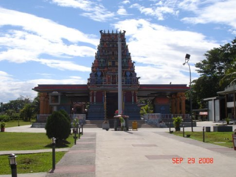 A temple in Nadi that we couldn't enter - shorts and tank tops aren't allowed.