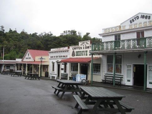 Main Street, Shantytown