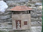 seems a shame to throw rubbish on this decorated bin up in cebreiro: by esk0r, Views[157]