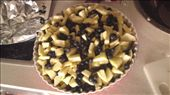 My homemade unbaked Blueberry and Apple Crumble...I ran away before it finished baking..Hehe.: by ethelc_chan, Views[287]