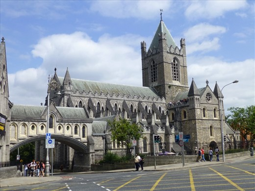 Christchurch Church in Dublin. Love the bridges!