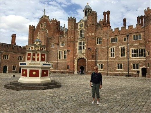Hampton Court with the wine fountain