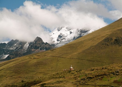 The road to Cusco, looks like New Zealand