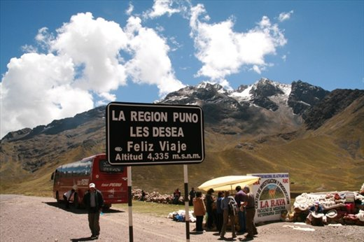 The road to Cusco, high pass