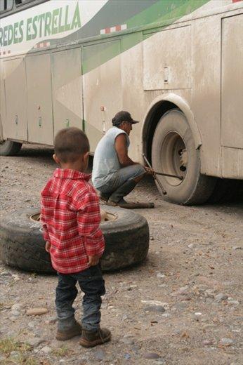 A flat tire before we even left Tingo Maria