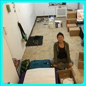 On fait des boîtes puis des boîtes. Tout doit être prêt pour lundi matin; le camion vient prendre les affaires pour les mettre en entreposage dans le Queens. : by finally, Views[207]