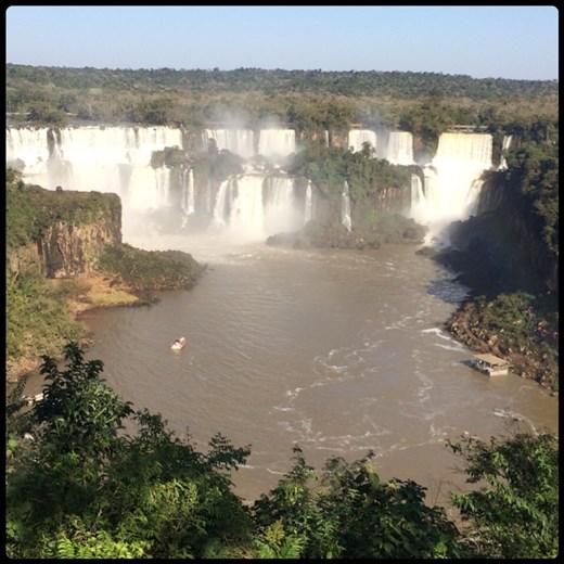 Chutes d'Iguazu vues depuis le côté brésilien.