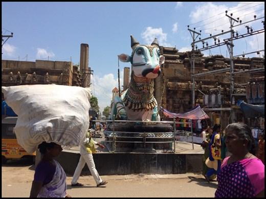 Statue géante du