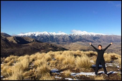 La dernière randonnée avec une vue 360 sur les montagnes enneigées. Magnifique!!! Et en plus super beau temps! On aurait bien continué un peu plus longtemps cette aventure en camper van.
