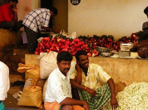 Galanes en el mercado de flores