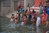 Grupo bañandose en el Ganges: by flachi-gus, Views[284]