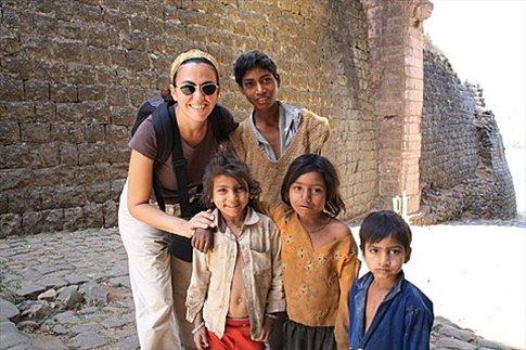 Mandu, chicos en Delhi Gate