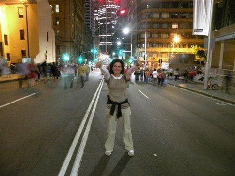 Uluru celebrando la llegada del año nuevo en las calles de Sydney