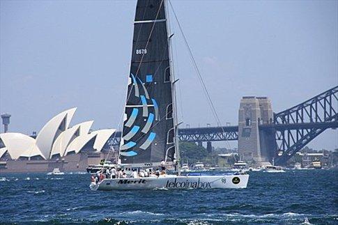 Barco en la largada de la regata Sydney Hobart