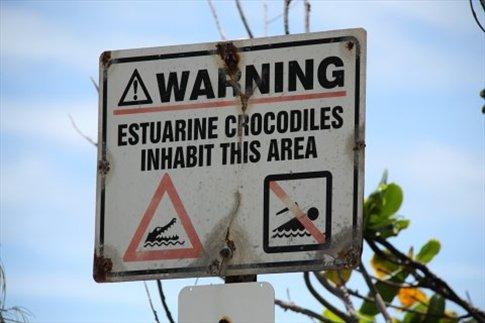 Otro cartel en la playa...éramos pocos....