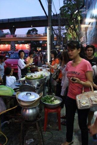 Puestitos en la calle con exquisita comida