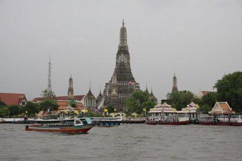 Templo Wat Arun. a orillas del Río Chao Phraya