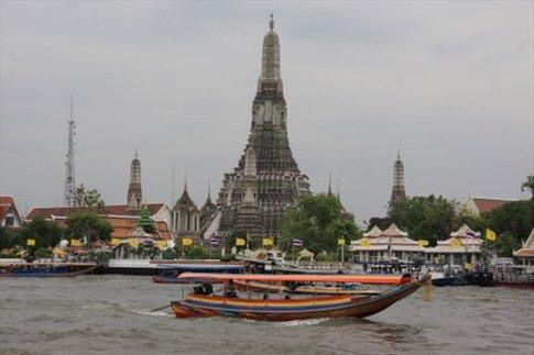 Wat Arun desde el río