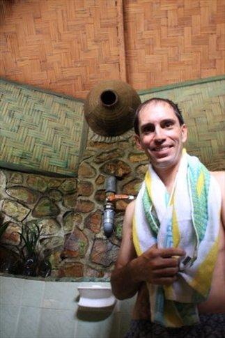 Tarzán en la ducha de la película de la Coca Sarli