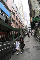 Central Mid levels escalator (cadena de escaleras mecánicas que recorren la ciudad): by flachi-gus, Views[291]