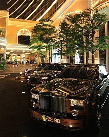 Casinos de Macau (en este caso también los Rolls Royce te van a buscar al aeropuerto)