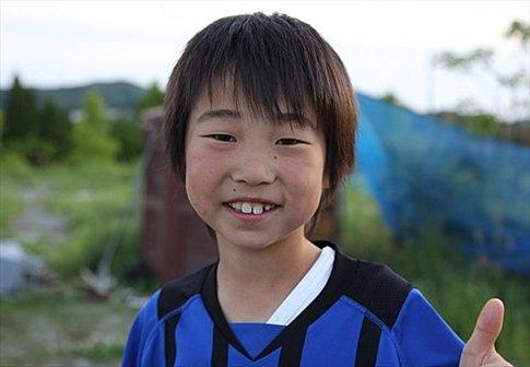 Uno de los chicos de la escuela de fútbol de Nacho