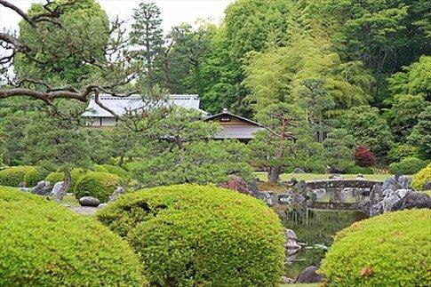 Jardines del castillo de shogun de Kyoto