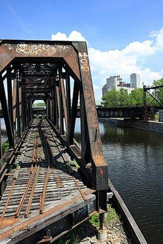 Puente sobre el canal de Lachine
